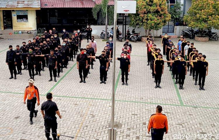 Guna Tingkatkan Imunitas Tubuh, Senkom Mitra Polri Kota Pekanbaru Latihan Fisik Bareng TNI
